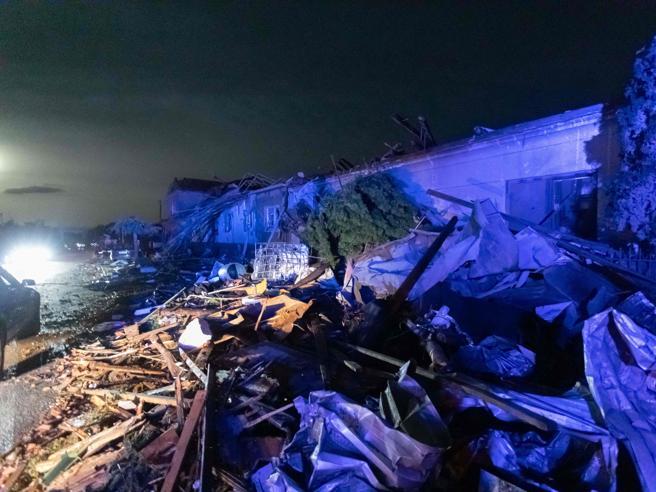 case distrutte, morti e feriti