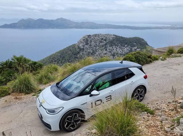 Vado a Ibiza con l'auto elettrica Diario di un'avventura (possibile)
