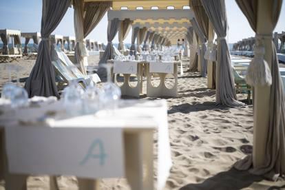 Il Salotto e la sfilata in spiaggia di Forte dei Marmi