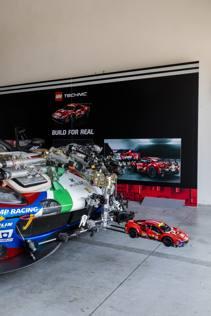 La Ferrari-Lego in pista, le foto