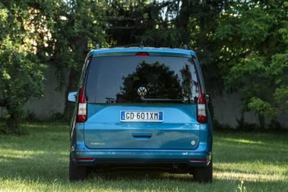 Nuovo Volkswagen Caddy California, la prova in vacanza. Le foto