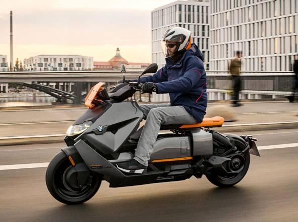 CE 04: il nuovo scooter elettrico Bmw