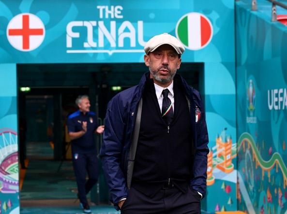 Gianluca Vialli all'ingresso del campo di Wembley prima della finale (Ap)