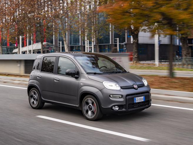 Furti d'auto, ecco perché la Panda è il modello più rubato in Italia. E come difendersi