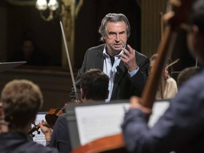 Riccardo Muti: «Qui in campagna ho ritrovato le radici. Per i miei figli sono stato un fratello»