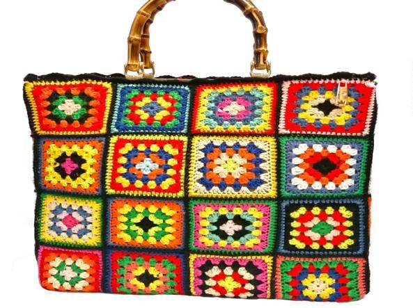 Lo stile hippy-romantico: il ritorno del crochet, dai bikini alle borse
