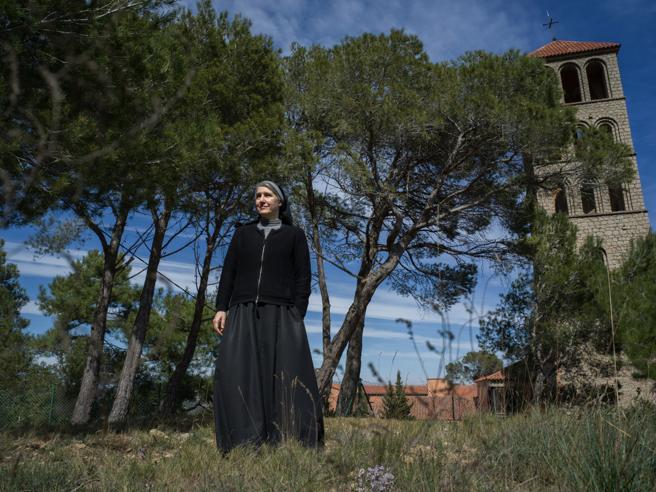 Suor Forcades: «La Chiesa può guarire dal sessismo in 24 ore»