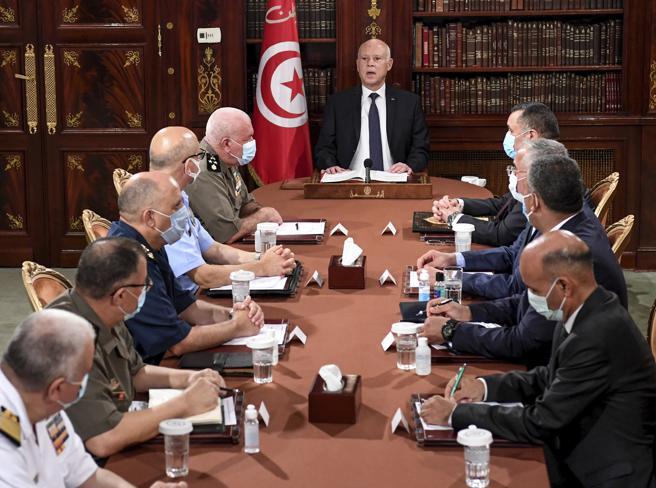 E ora Tunisi aspetta le mosse dell'uomo forte Saied