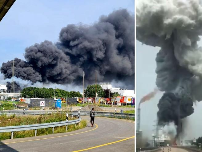 Leverkusen, esplosione in un impianto chimico: almeno due morti. Le autorità: «Allerta, restate  a casa»