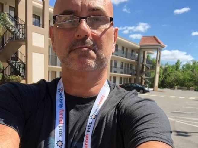 Marco De Veglia morto di Covid a Miami, chi è il manager no vax che rifiutava l'iniezione