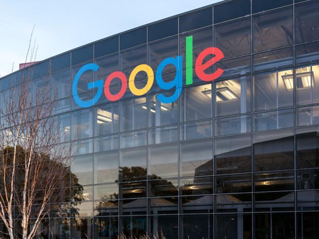 Google, il rientro in ufficio slitta ad ottobre: obbligo vaccinale per i dipendenti in presenza