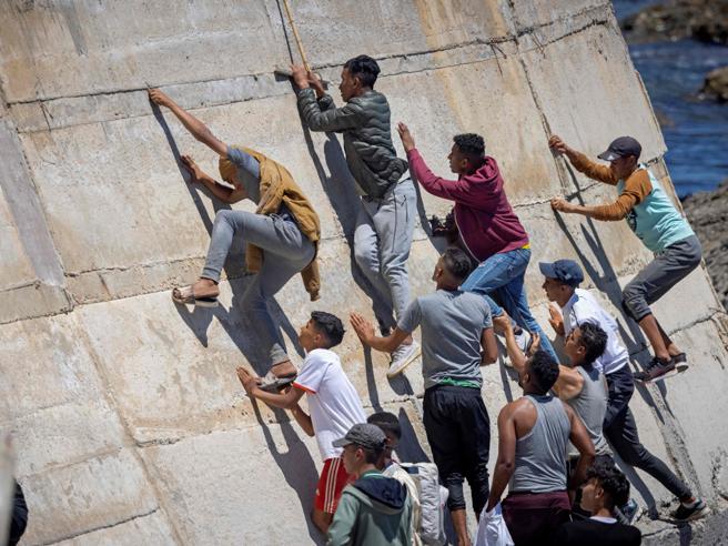 La protezione dei rifugiati non è delegabile