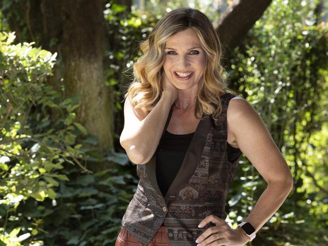 Lorella Cuccarini a Oggi: «Torno ad Amici. La Rai? Nessun rimpianto, guardo avanti»