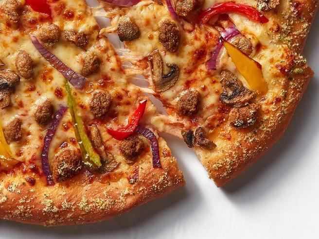 Pizza Hut lancia la pizza con la carne vegetale