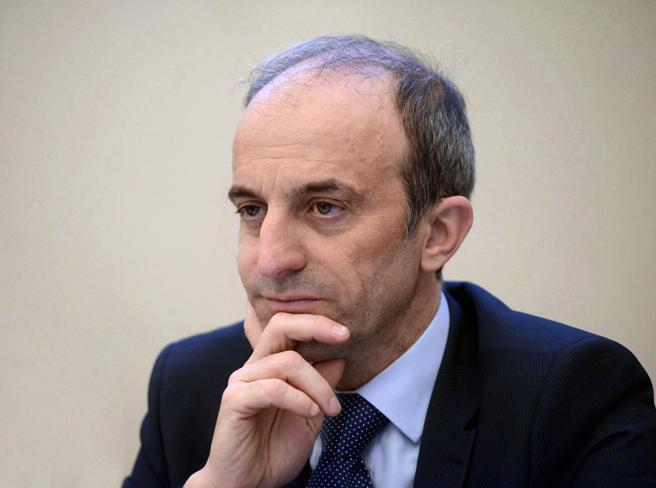 Covid, Signorelli: «Non parliamo di terza dose del vaccino, pensiamo a giovani e over 60»