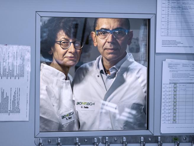 Vaccini, sognando il Nobel. Parlano le donne e gli uomini che ci stanno salvando dal virus