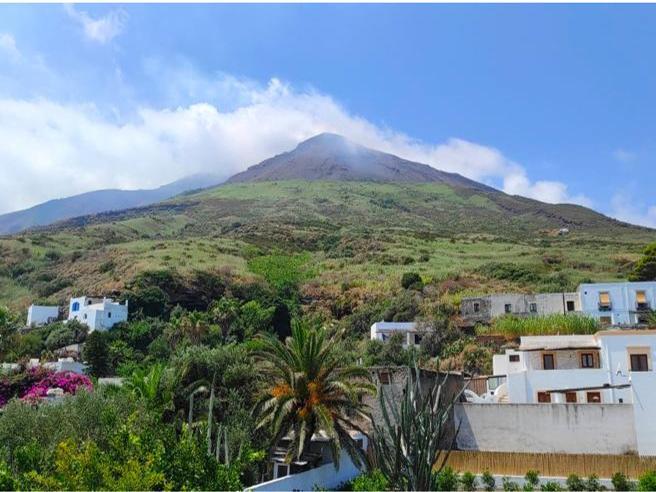 Stromboli, all'ombra del vulcano si resta per amore