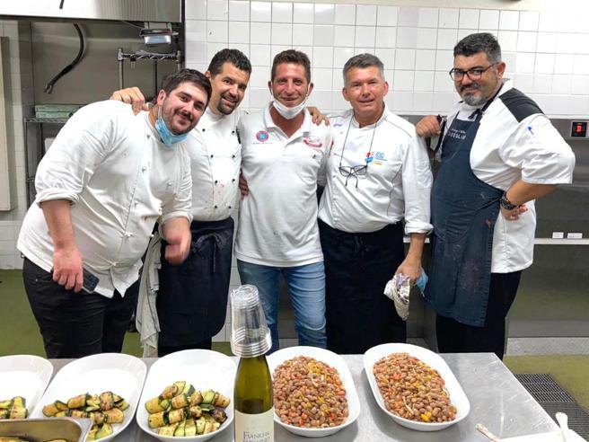 Giuseppe Errichiello, chi è il pizzaiolo di Casa Italia dall'infanzia difficile