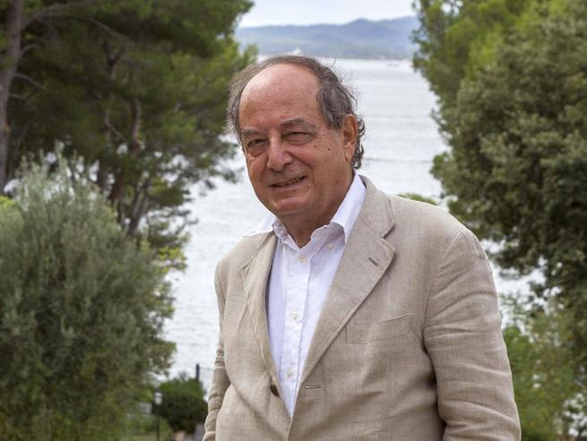 Morto Roberto Calasso, i funerali a Milano: «La bellezza e il rigore, la sua lezione»