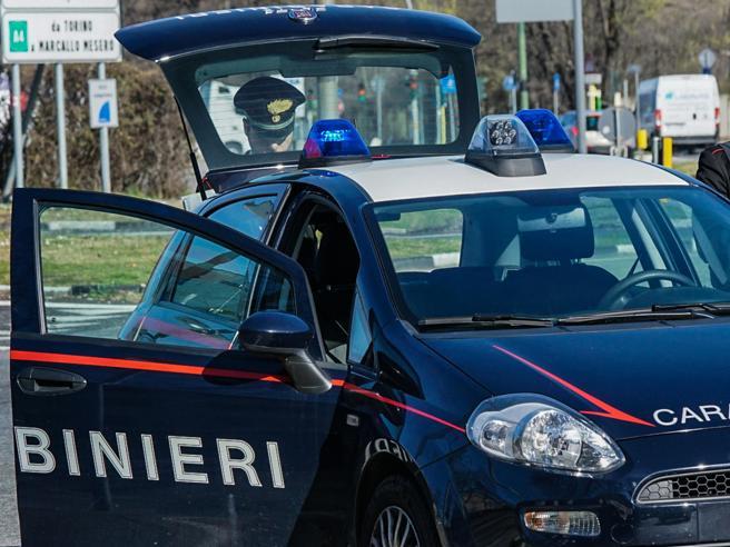 Incidente a Modena, donna di 41 anni muore sul lavoro incastrata in un macchinario