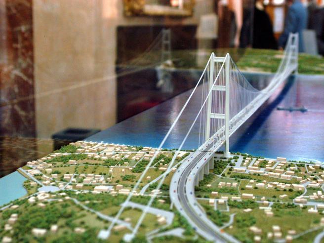 Il rilancio del Ponte sullo Stretto (a una o tre campate) «Studio pronto nel 2022»