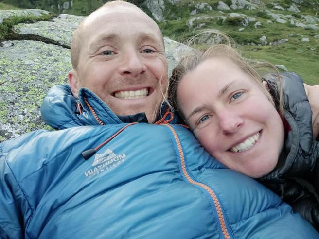 Era scomparsa da giorni: il fratello si autoaccusa e fa ritrovare il cadavere della sorella