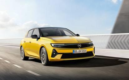 Nuova Opel Astra: le foto