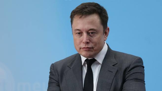 Tesla, la lettera dell'autorità di sicurezza che «inchioda» Elon Musk