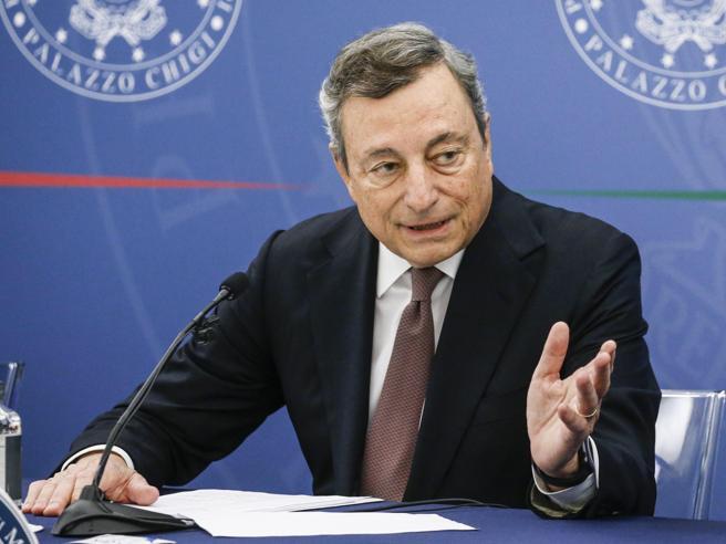 Draghi: «Stato pronto ad aiutare imprese e cittadini sui costi della transizione ambientale»