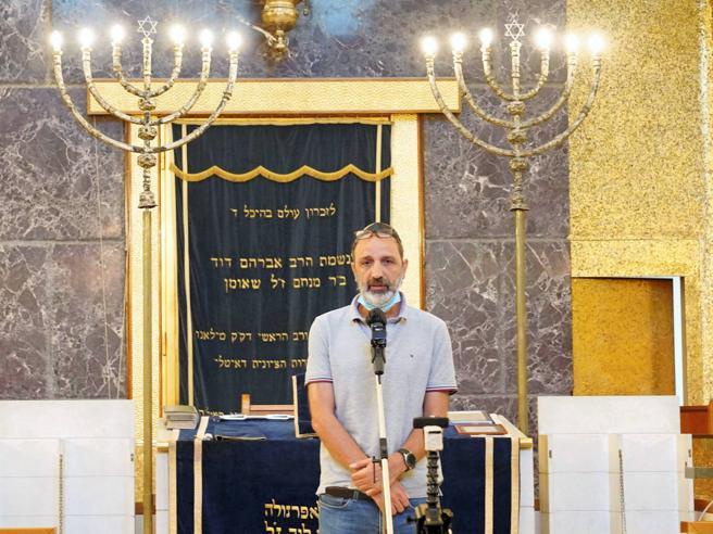 Eitan: il nonno agli arresti domiciliari in Israele