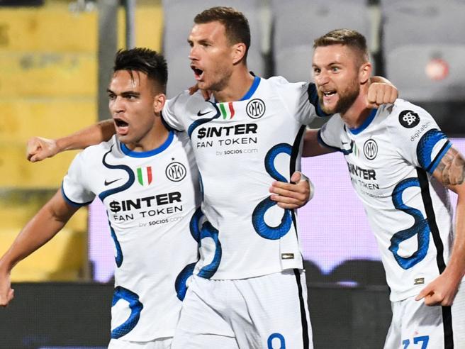 Fiorentina-Inter 1-3: Darmian, Dzeko e Perisic ribaltano i viola, Inzaghi primo in classifica