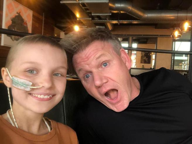 È morta Sophie Fairall, la bambina di 10 anni malata di cancro: come ultimo desiderio cucinò con Gordon Ramsay
