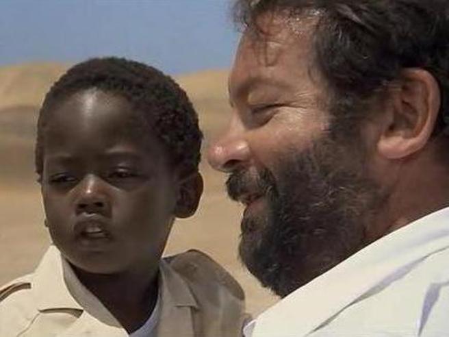 «Piedone l'africano» in tv: cosa è successo al piccolo Bodo e gli altri 5 segreti del film