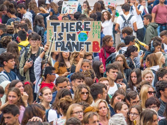 I ragazzi di Fridays For Future Italia: 10 motivi per scioperare per il clima oggi