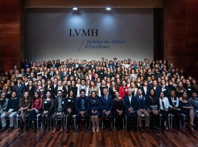 Lvmh assumerà 25mila giovani. «Un aiuto a superare il post Covid»