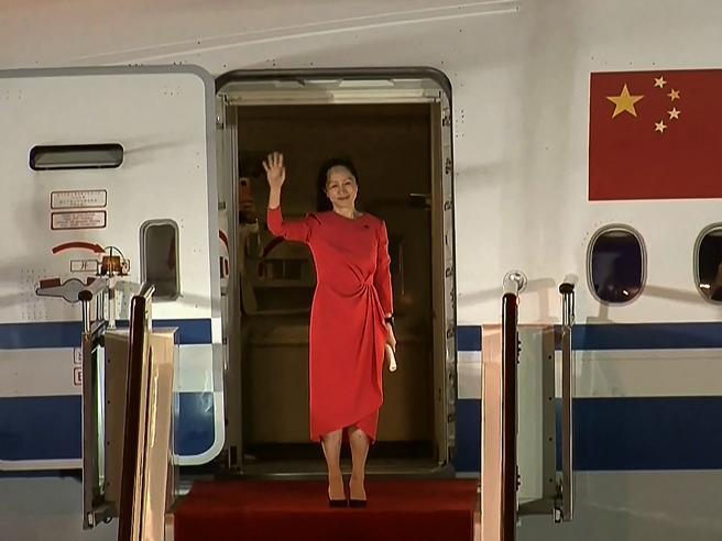 Lady Huawei osannata in patria, i due Michael rientrati in Canada
