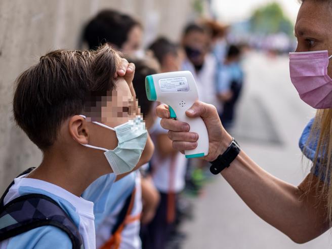 Covid Usa, meno focolai nelle scuole con obbligo di mascherina