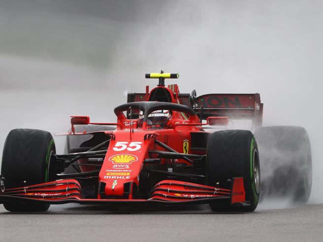 Norris in pole nelle qualifiche del Gp di Russia, Sainz secondo davanti a Russell. Hamilton parte quarto