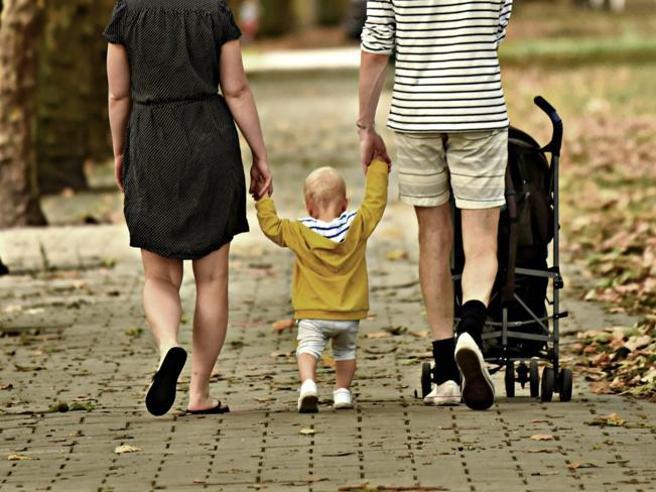 Assegno unico figli: a rilento i pagamenti  Le famiglie: «Serve proroga della scadenza»