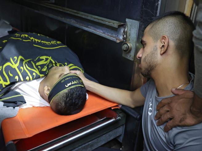 Cisgiordania, almeno quattro palestinesi uccisi dalle forze israeliane