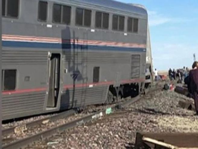 Deraglia treno tra Chicago e Seattle: tre i morti, decine i feriti