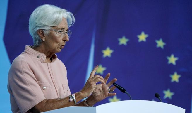 Inflazione, Lagarde (Bce): aumenti  temporanei, non toccheremo i tassi nel 2023Petrolio, corsa a 80 dollari