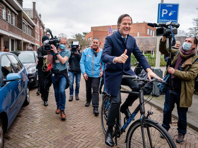 Olanda, il premier Rutte è sotto protezione: si temono rapimenti o attentati da parte della «Mocro Maffia»