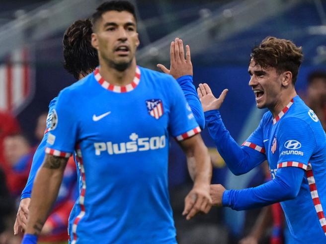 Milan-Atletico Madrid 1-2: Griezmann e Suarez esorcizzano il Diavolo in 10 per un'ora