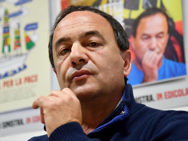 Mimmo Lucano, l'ex sindaco di Riace condannato a 13 anni e 2 mesi per immigrazione clandestina: «Nemmeno a un mafioso»