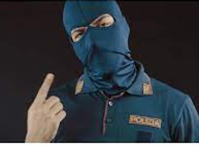 Il poliziotto-rapper: «Metto in musica la vita di uno sbirro qualunque»