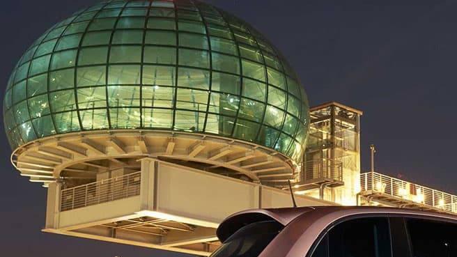 Stellantis accelera sulle auto elettriche per rispondere alla crisi dei chip