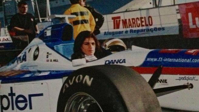 Joana Lemos, chi è la moglie di Lapo Elkann. L'ex pilota che lo ha conquistato al volante