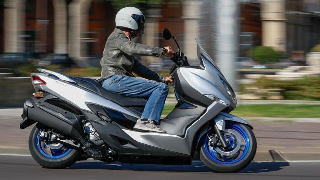 Il nuovo Suzuki Burgman 400: consuma e inquina meno   Il test