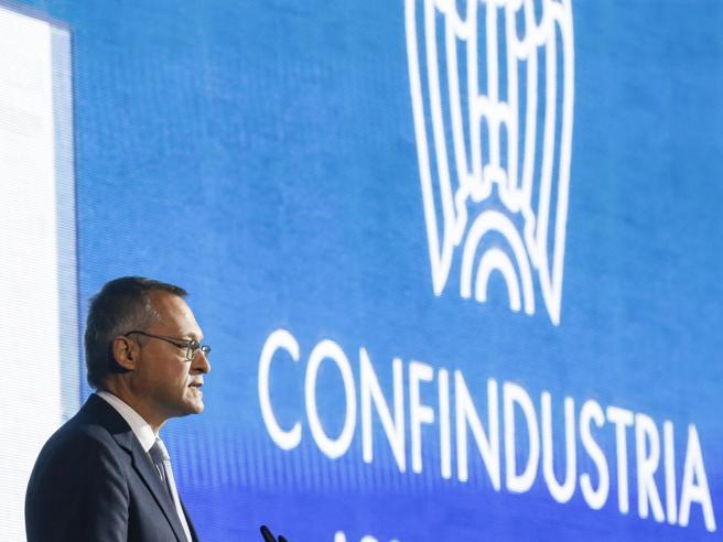 Confindustria, Pil a +6,1% nel 2021: «A inizio 2022 la crisi sarà superata»